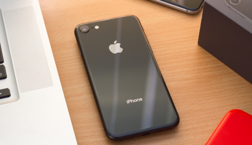 Обзор Apple iPhone 8